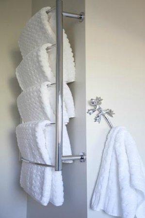 Drovers Motor Inn: Funky Lizard Towel Hooks