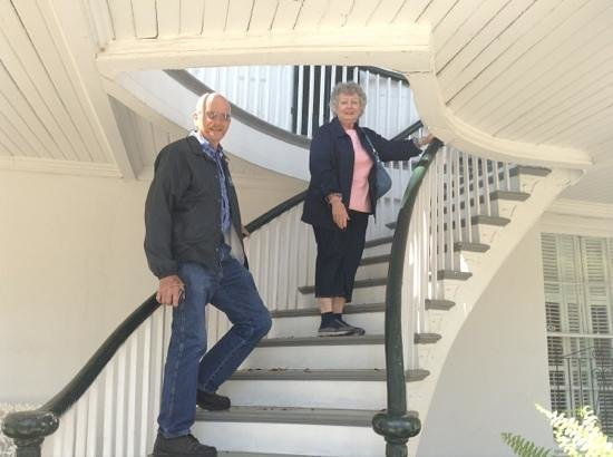 Historic Oakleigh House: climbing the stairs to enter the house
