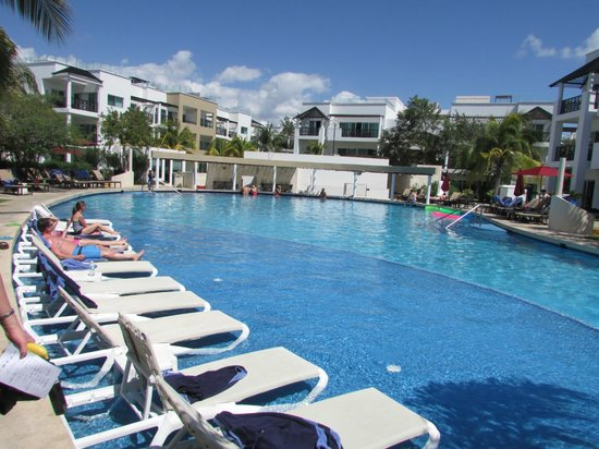 The Fives Azul Beach Resort Playa Del Carmen: Another pool