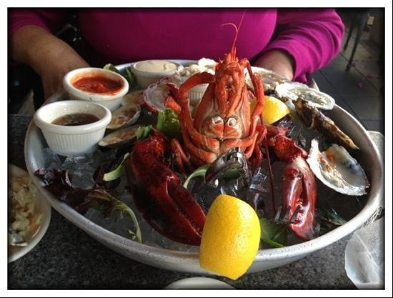 Blue Pointe Oyster Bar & Seafood Grill: The Platter