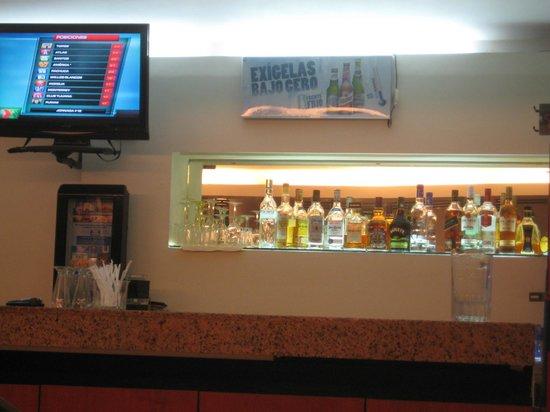Comfort Inn Real La Union: El Bar