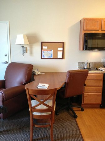 Candlewood Suites Lincoln : Work area