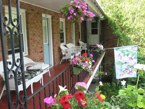 Berkshire Hills Country Inn: Surround yourself with Nature at Berkshire Hills Motel