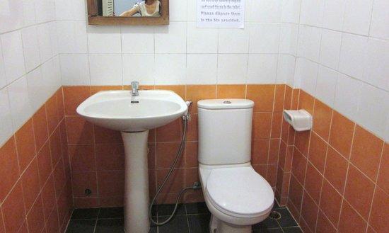 Lamphu House: バスルーム