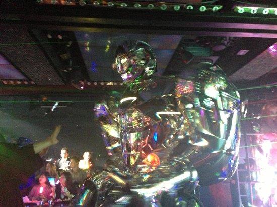 Robot Restaurant : ロボット