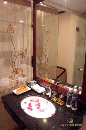 May de Ville Old Quarter Hotel: Bathroom