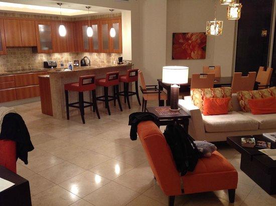 Seven Stars Resort & Spa: LR / Kitchen at Night
