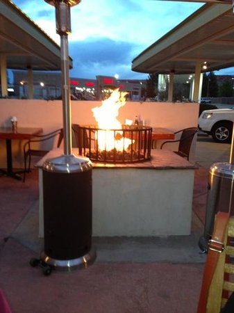 The Patio Grill: outside dining