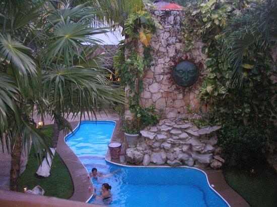 Aventura Mexicana: The pool