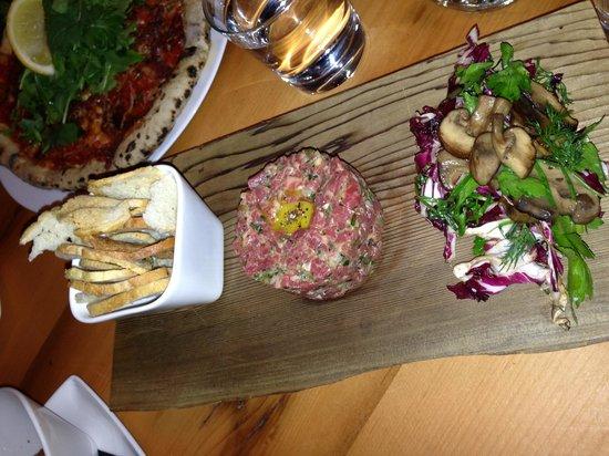 Bruce Wine Bar: Yummiest beef tartar