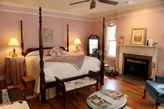 The Inn at Sugar Hollow Farm: Country Manor Room