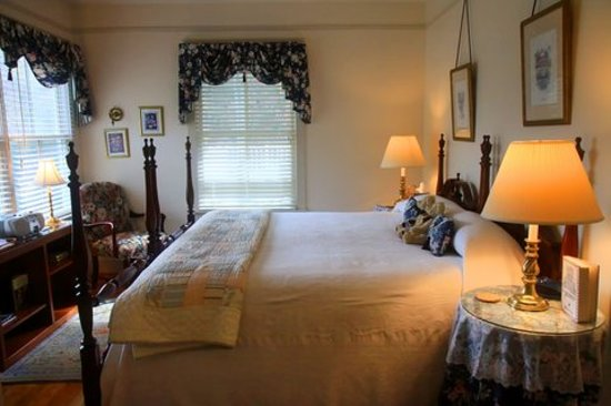 The Inn at Sugar Hollow Farm: Colonial Room