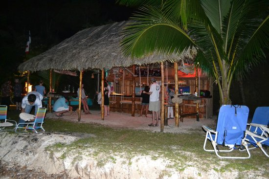 Popa Paradise Beach Resort: Rosies Bar - Beach BBQ and Refreshments