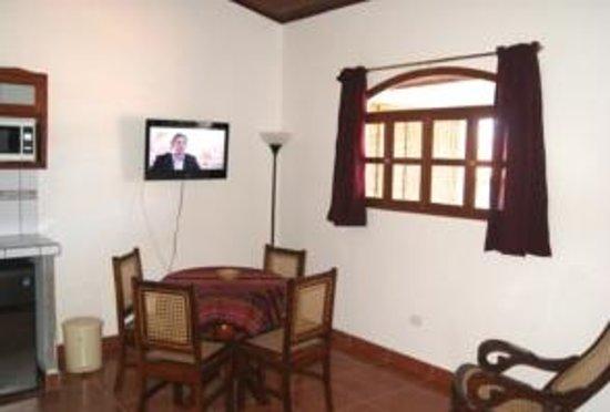 Hotel Cacique Adiact: Living room