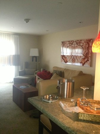 Hotel Corque: Living area of King Suite
