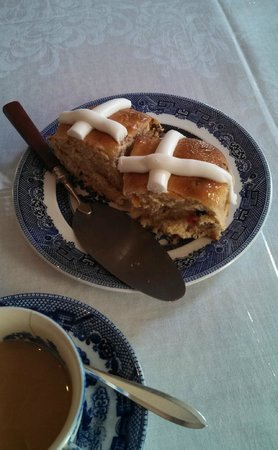 Nolan House B&B: Hot Cross Buns!