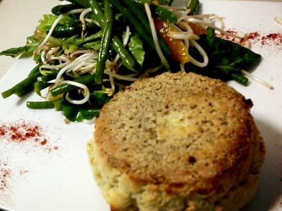 La Tour Bistro: Roquefort souffle with citric Asian salad/ souffle au roquefort et poudre d'amandes/ souffle de