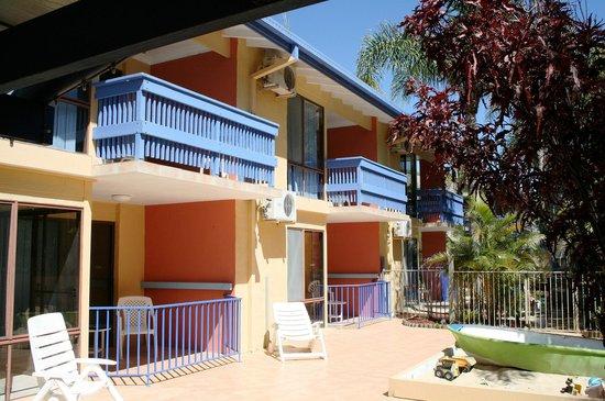 Leilani Haciendas : Sunny balconies