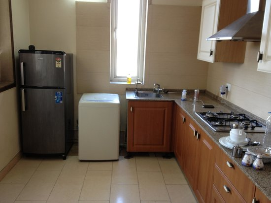 The Perch Service Apartments : Kitchen