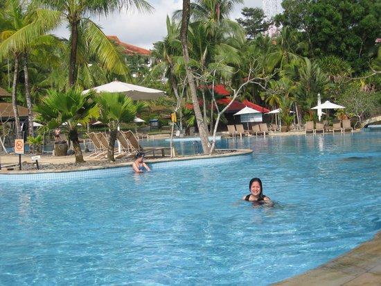 Bintan Lagoon Resort Golf Club: Kolam Renang Bintan Lagoon