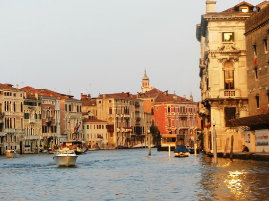 canal grande view down grand canal. Black Bedroom Furniture Sets. Home Design Ideas