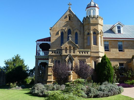 Warwick, Australia: Part of front of Abbey