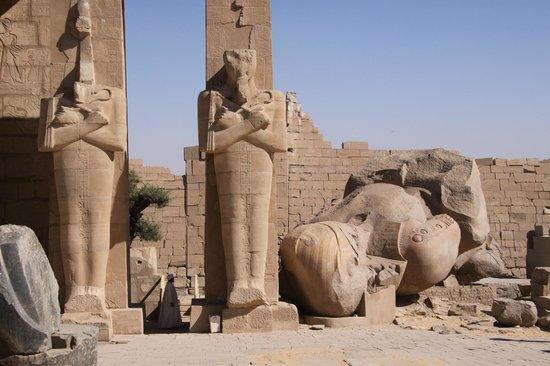 Ramesseum (Mortuary Temple of Ramses II): Ramesseum