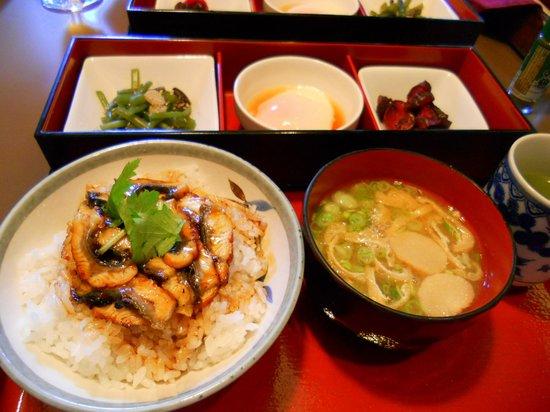 Hotel Miwa Numazu : 朝食はうなぎ