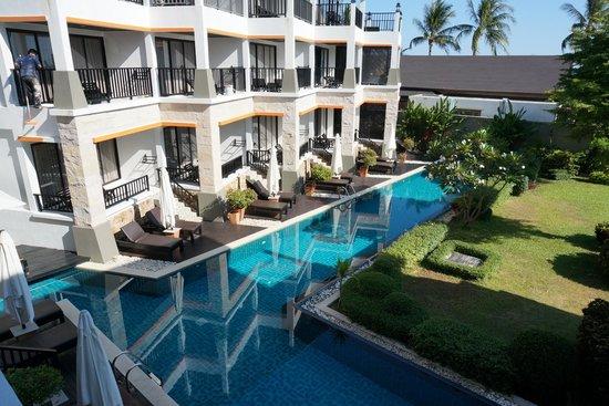 โรงแรมสมายา บุรา: swim pool