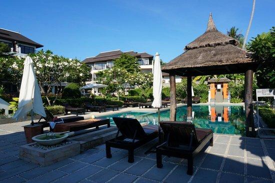โรงแรมสมายา บุรา: pool