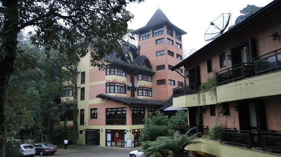 Hotel Recanto da Serra: Blocos de apartamentos e mirante