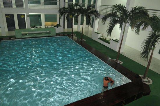 Hotel Villanueva: Pool area