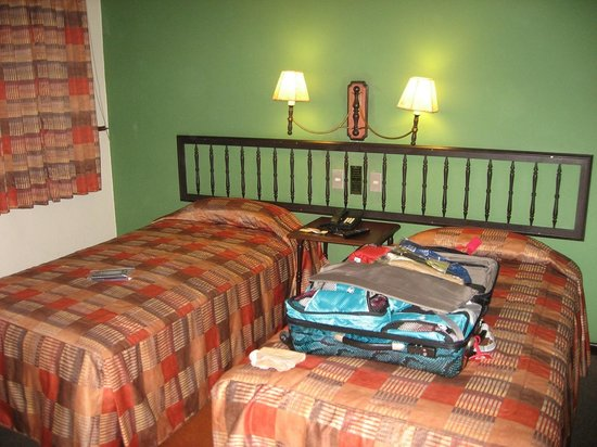 Hotel La Castellana: Basic room