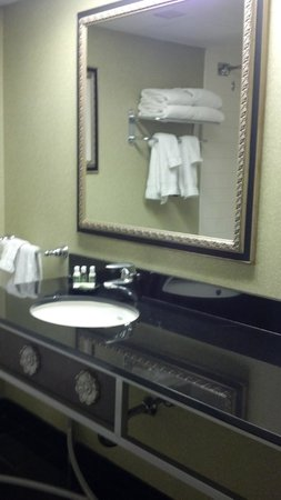 The Florida Hotel & Conference Center, BW Premier Collection: Fluffy Towels & marble bath