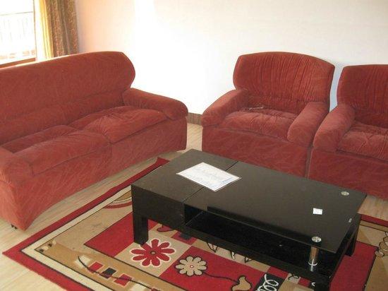 Mount 'n' Mist: sofa