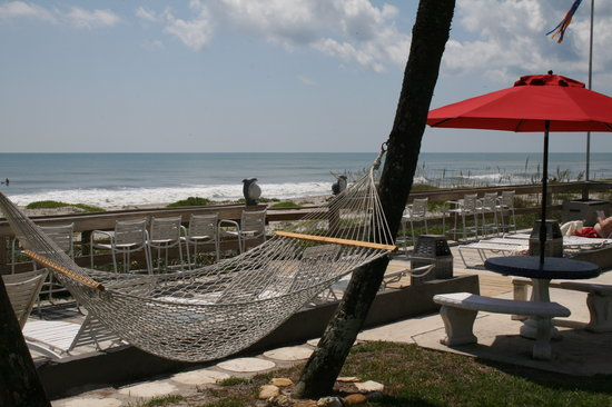 Surf Studio Beach Resort: We are on 250 ft direct oceanfront