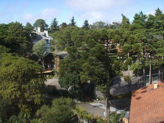 Hotel Recanto da Serra: Vista  da área do hotel desde o mirante