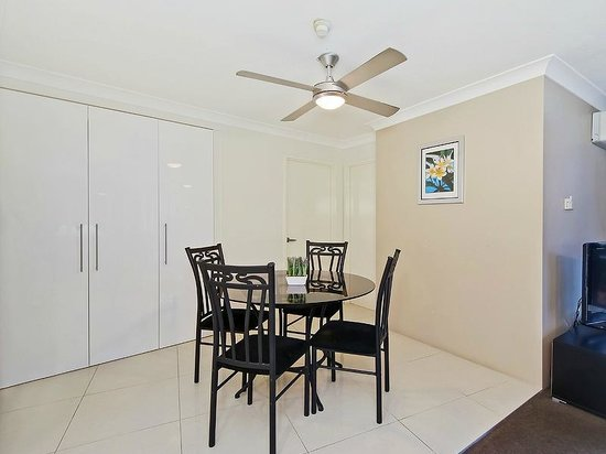 Princess Palm On The Beach Apartments Gold Coast: Dining Room