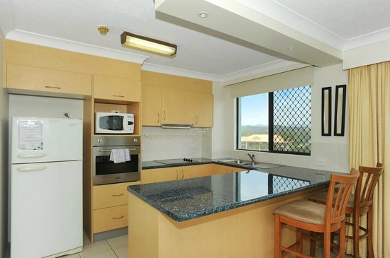 Princess Palm On The Beach Apartments Gold Coast: Kitchen