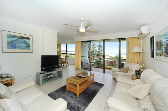Princess Palm On The Beach Apartments Gold Coast: Lounge Room