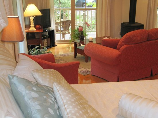 Myers Creek Cascades: The Romance and Luxury of The Ferns Cottage