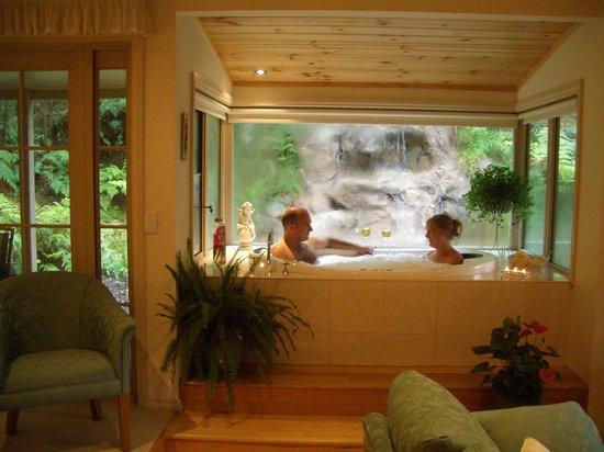 Myers Creek Cascades: Silverbrook Cottage Spa