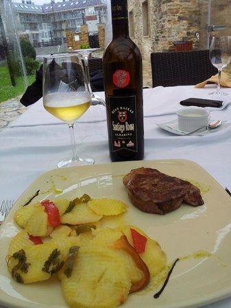 Valraíña: Albariño y solomillo del Restaurante del Rincón de Anita