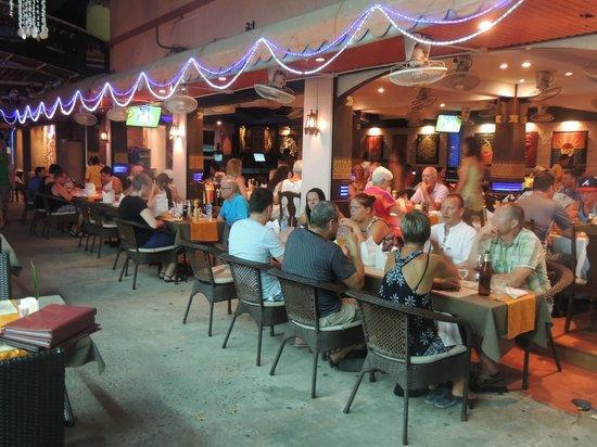 Ao Nang Beach Resort: Aining Restaurent