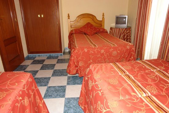 Pension Zurita: Habitación triple