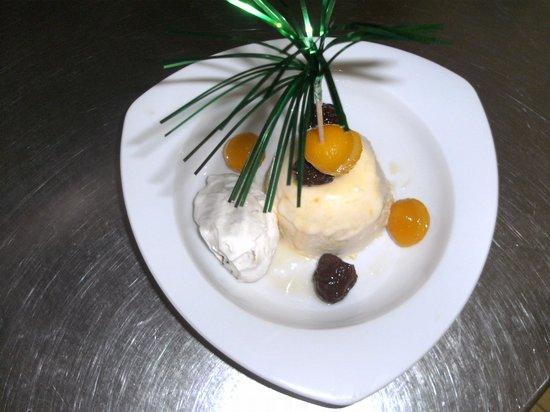 Hotel-Restaurant Au Relais Du Chateau Mensberg: Le Soufflé glace Mirabelles fait Maison