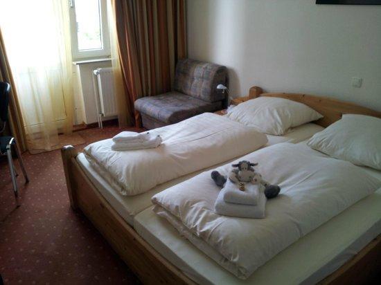 Baltic Hotel : Cómodas camas estilo alemán