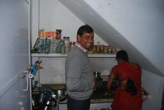 Khushi Paying Guest House : Deepak et Sanjana