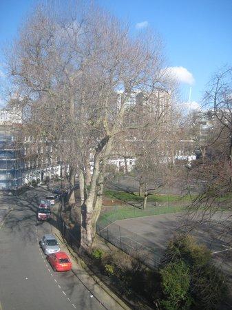 Mentone Hotel: View of the Cartwright Gardens through window in third floor