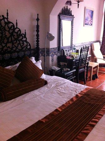 Pousada de Coloane Beach Hotel & Restaurant: our room - notice the Ikea chair